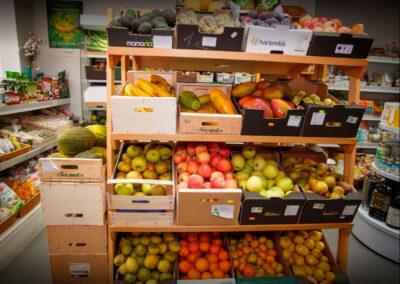 foto estanterías interior tienda ecomarkt